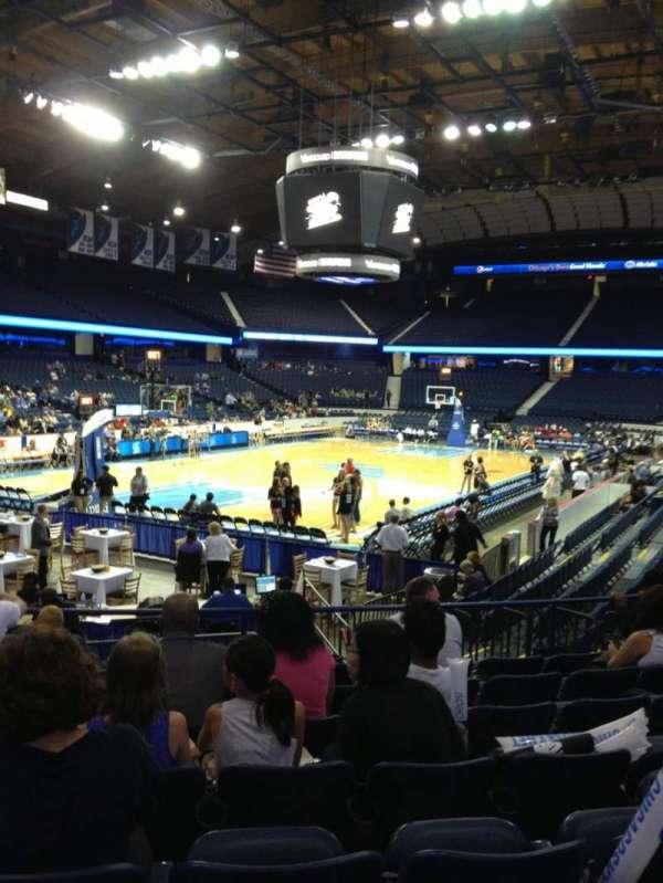 Allstate Arena, secção: 105, fila: L, lugar: 20