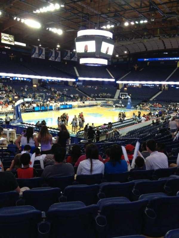 Allstate Arena, secção: 105, fila: L, lugar: 11