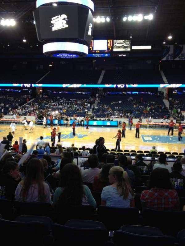 Allstate Arena, secção: 102, fila: K, lugar: 16