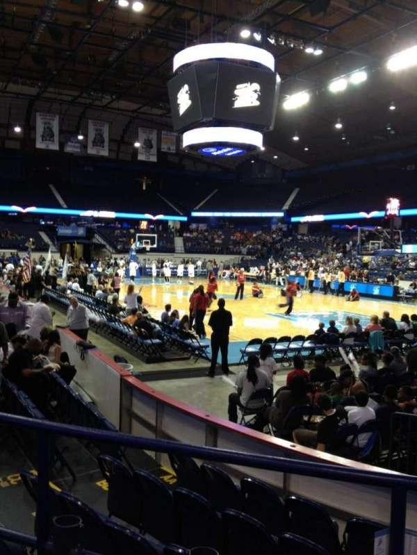 Allstate Arena, secção: 116, fila: C, lugar: 10