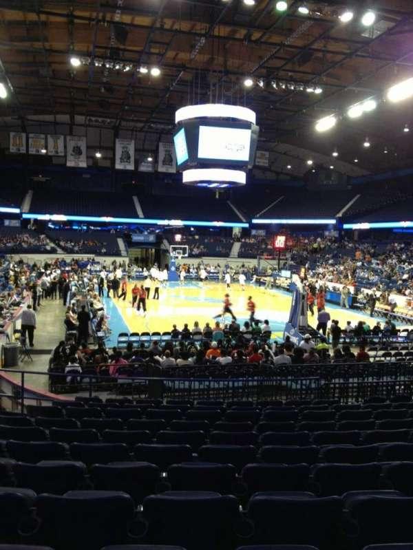 Allstate Arena, secção: 115, fila: M, lugar: 21
