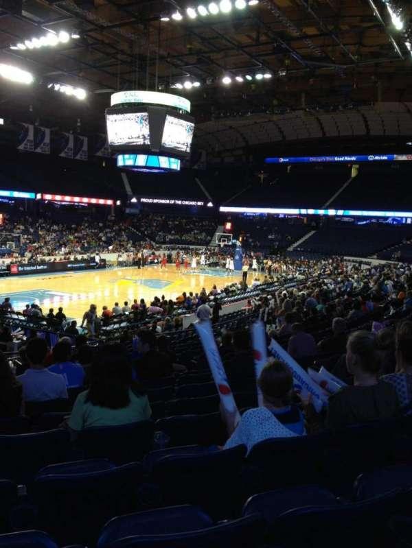 Allstate Arena, secção: 105, fila: P, lugar: 6