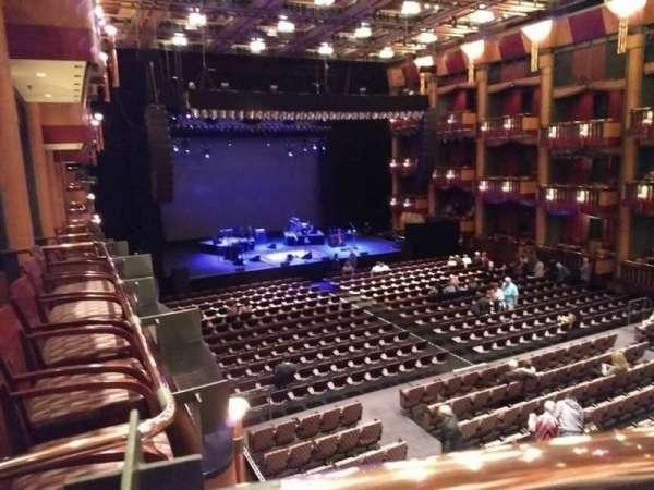 Cerritos Center for the Performing Arts, secção: Level 3 / Gold, fila: B, lugar: 1