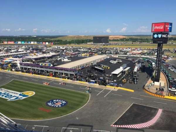 Charlotte Motor Speedway, secção: Ford UT A, fila: 51, lugar: 25