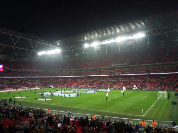 Wembley Stadium, secção: Away, fila: X, lugar: 17
