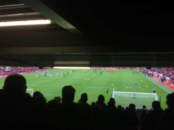 Anfield, secção: Away Lower, fila: 30, lugar: 155