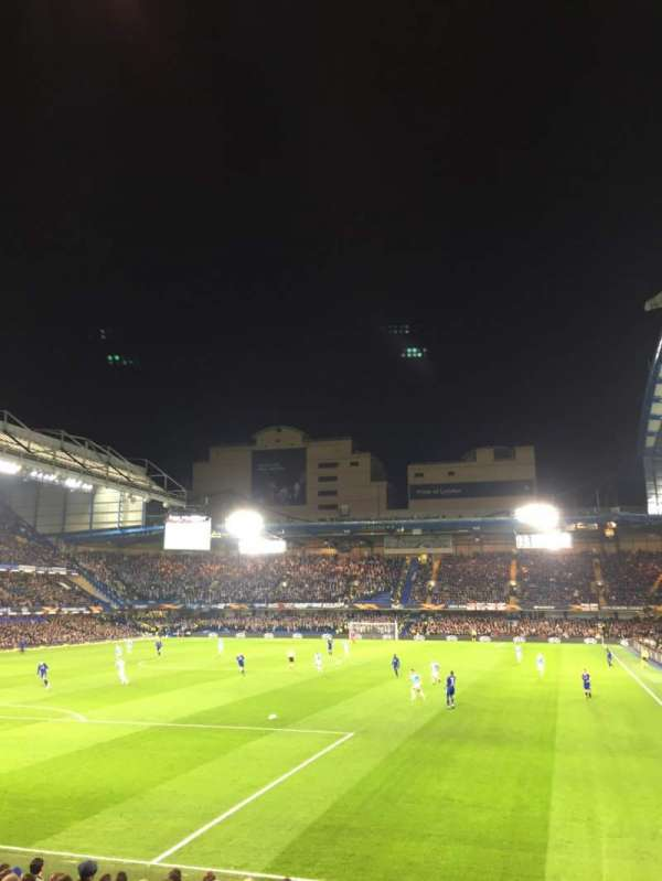 Stamford Bridge, secção: Matthew Harding Lower 10, fila: T, lugar: 305