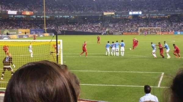 Yankee Stadium, secção: 135, fila: 12