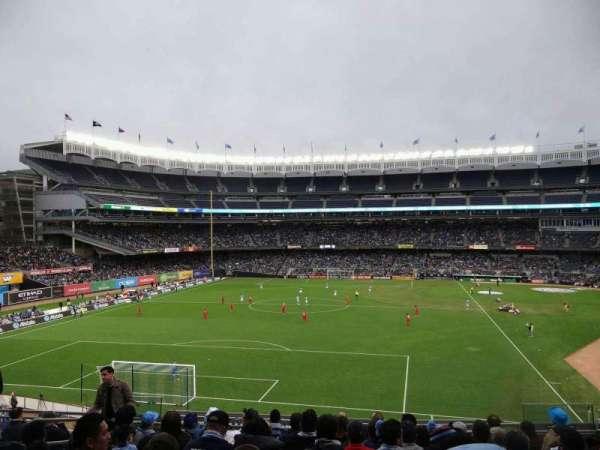 Yankee Stadium, secção: 233B, fila: 10, lugar: 8