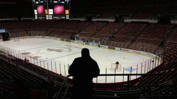 Joe Louis Arena, secção: 203C, fila: 5, lugar: 19