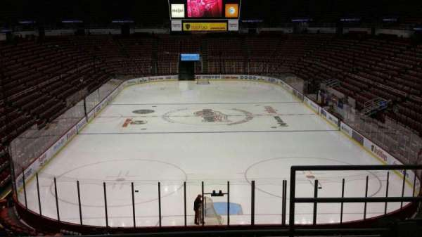 Joe Louis Arena, secção: 201, fila: 5, lugar: 2