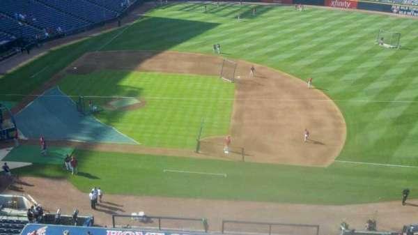 Turner Field, secção: 411, fila: 1, lugar: 11