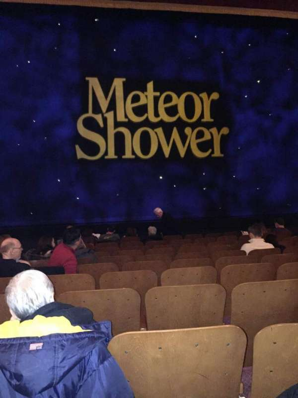 Booth Theatre, secção: Orchestra C, fila: J, lugar: 106