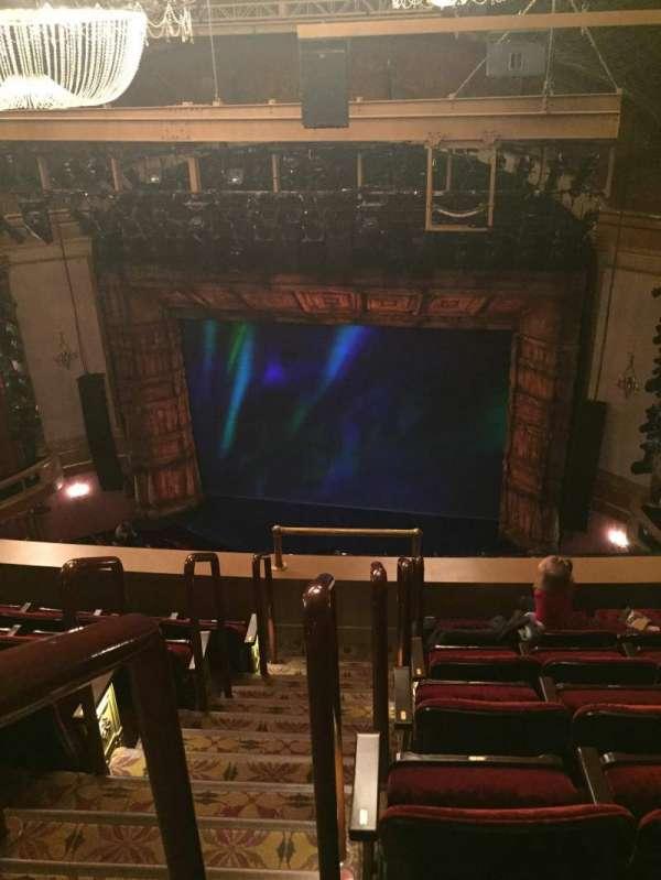 St. James Theatre, secção: Balcony R, fila: F, lugar: 2