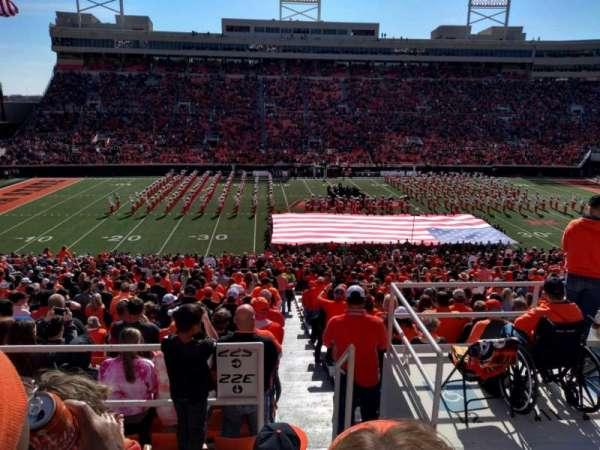 Boone Pickens Stadium, secção: 332, fila: 4, lugar: 1