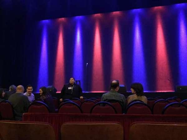 Chicago Theatre, secção: MNFL4R, fila: CC, lugar: 406