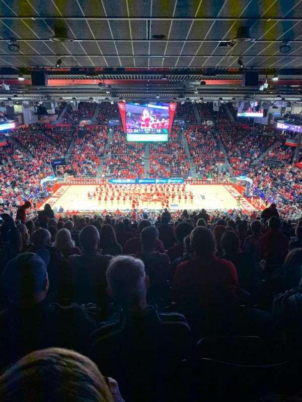 University of Dayton Arena, secção: 411, fila: b, lugar: 10