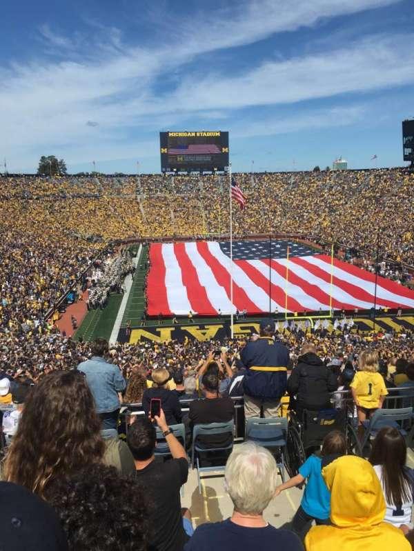 Michigan Stadium, secção: 13, fila: 79, lugar: 3