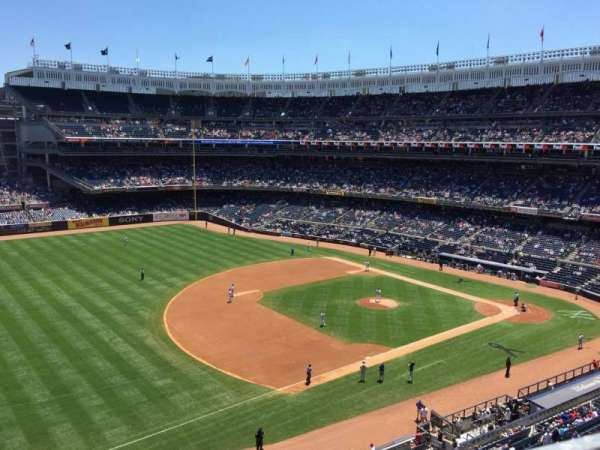 Yankee Stadium, secção: 328, fila: 1, lugar: 7