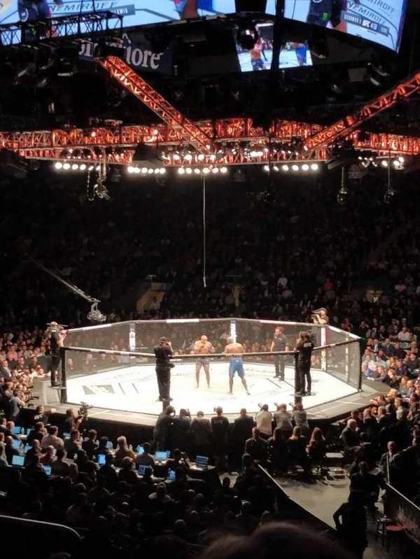 Madison Square Garden, secção: 109, fila: 15, lugar: 3