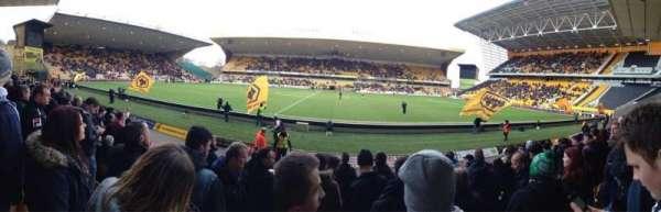 Molineux Stadium, secção: JL5, fila: H, lugar: 140