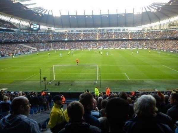 Etihad Stadium (Manchester), secção: 115, fila: AA, lugar: 403