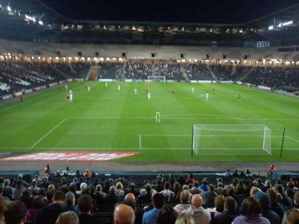 Stadium MK, secção: 33