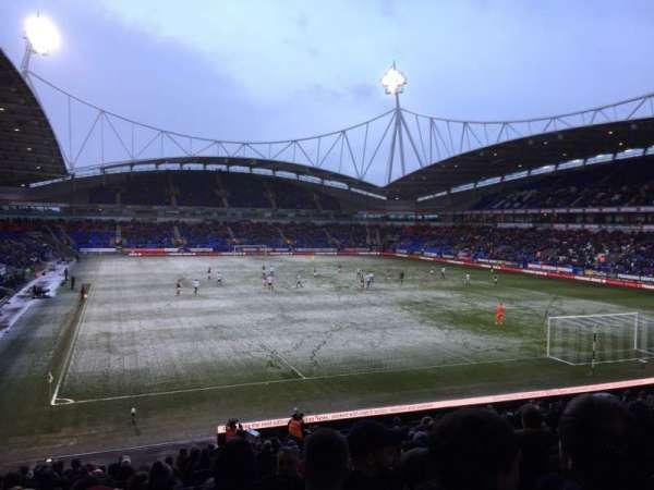 University of Bolton Stadium, secção: E, fila: Z, lugar: 50