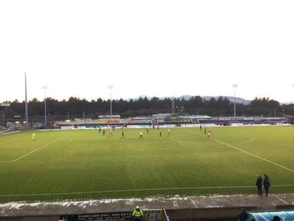 Caledonian Stadium, secção: Upper F, fila: P, lugar: 1