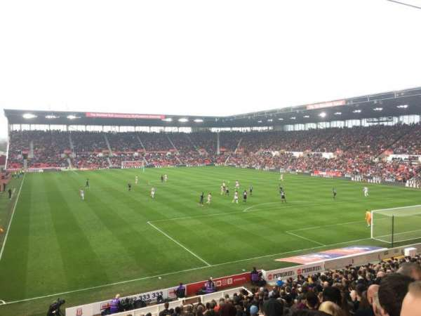 bet365 Stadium, secção: 42, fila: 23, lugar: 985