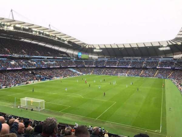 Etihad Stadium (Manchester), secção: 213, fila: L, lugar: 340