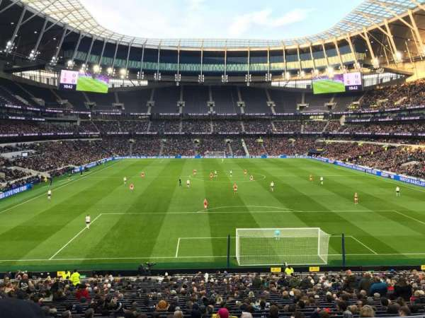 Tottenham Hotspur Stadium, secção: 254, fila: 32, lugar: 233