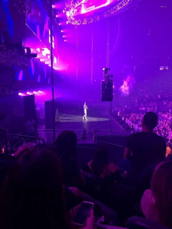 T-Mobile Arena, secção: 3, fila: L, lugar: 6