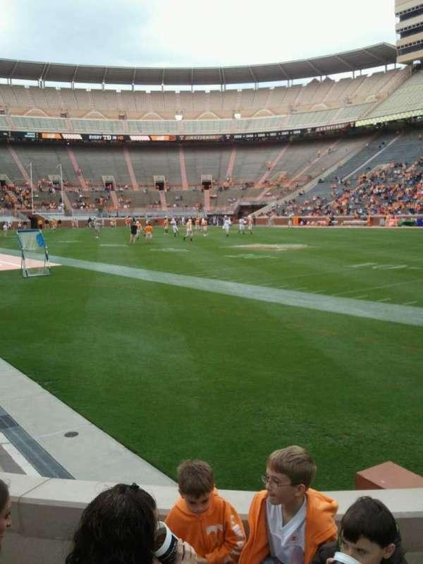 Neyland Stadium, secção: P, fila: 3, lugar: 8