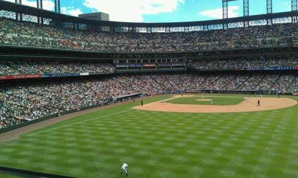 Coors Field, secção: 204, fila: 1, lugar: 20