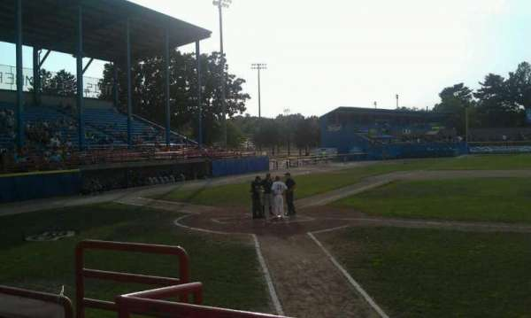 C. O. Brown Stadium, secção: 5, fila: 2, lugar: 4