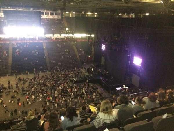 Manchester Arena, secção: 214, fila: R, lugar: 12