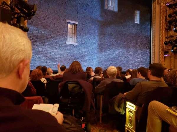 John Golden Theatre, secção: Orchestra L, fila: H, lugar: 1