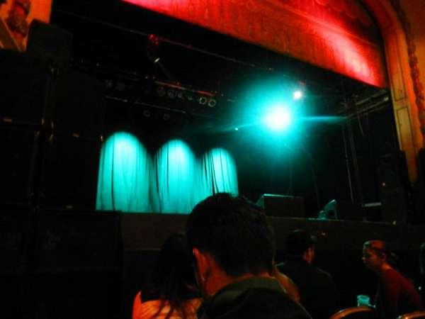 Trocadero Theater, secção: PIT, fila: 3, lugar: 1