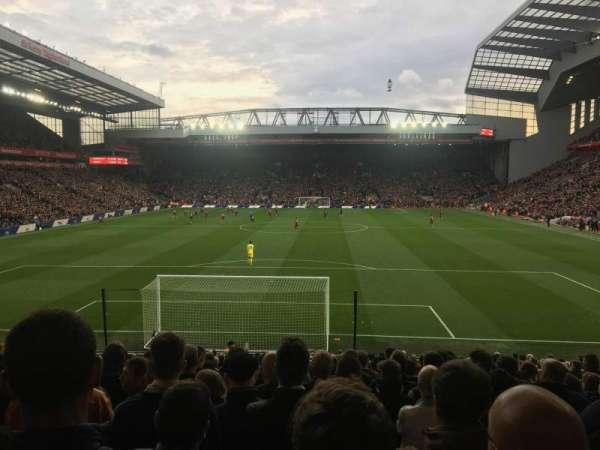 Anfield, secção: 124, fila: 25, lugar: 98