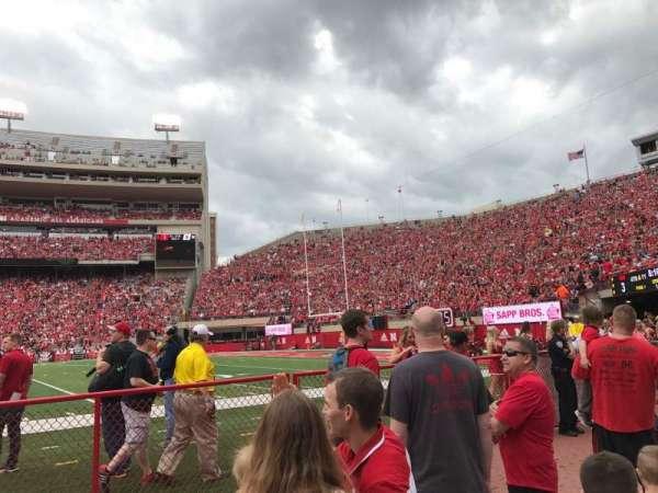 Memorial Stadium (Lincoln), secção: 23, fila: Field Level
