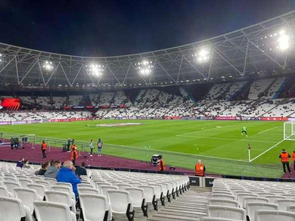 London Stadium, secção: 113, fila: 17, lugar: 191