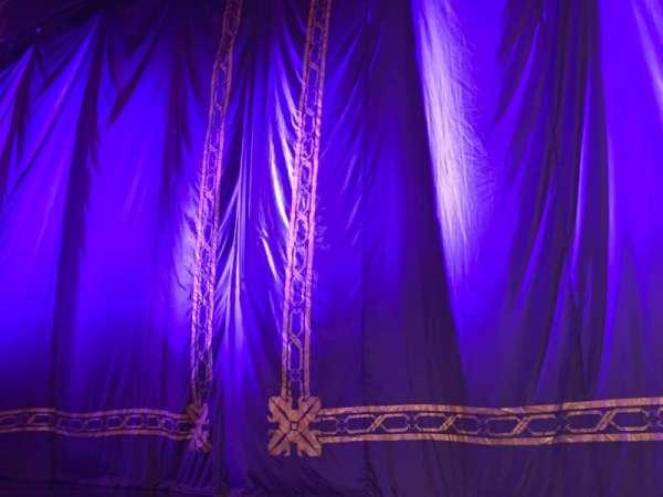 Brooks Atkinson Theatre, secção: Orchestra C, fila: AA, lugar: 101