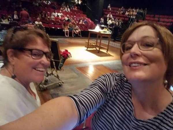 Circle in the Square Theatre, fila: A