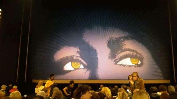 Lunt-Fontanne Theatre, secção: Orch, fila: M, lugar: 106