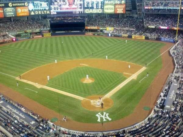 Yankee Stadium, secção: 420C, fila: 1, lugar: 6