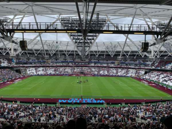 London Stadium, secção: 236, fila: 67, lugar: 424