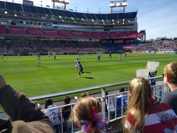 Nissan Stadium, secção: 113, fila: B, lugar: 24