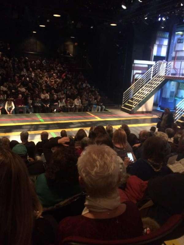 Circle in the Square Theatre, secção: Orchestra 200 (Even), fila: F, lugar: 222