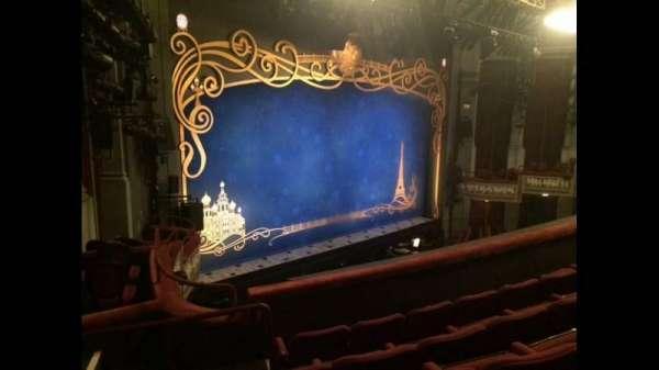 Broadhurst Theatre, secção: Mezzanine L, fila: E, lugar: 27